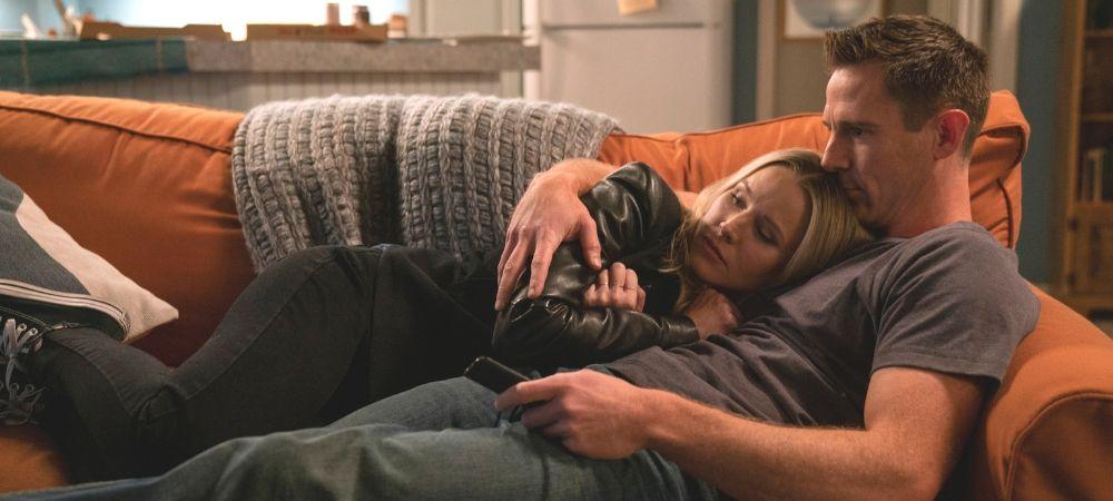 'Veronica Mars' season 4 -- Veronica and Logan cuddling