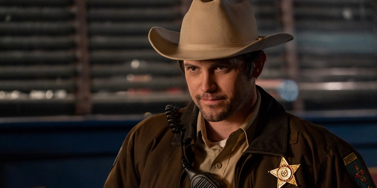 roswell new mexico season 2, max evans